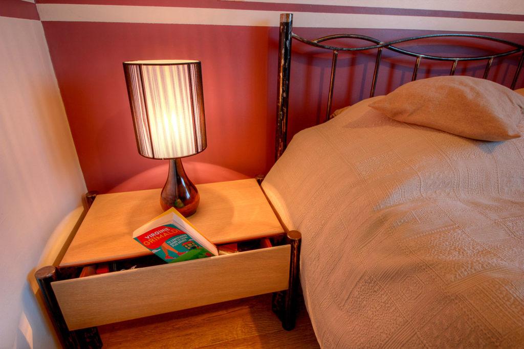 Chevet de lit fer forgé et bois
