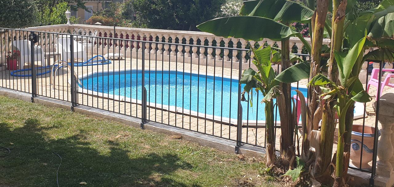 garde-corps extérieur pour piscine